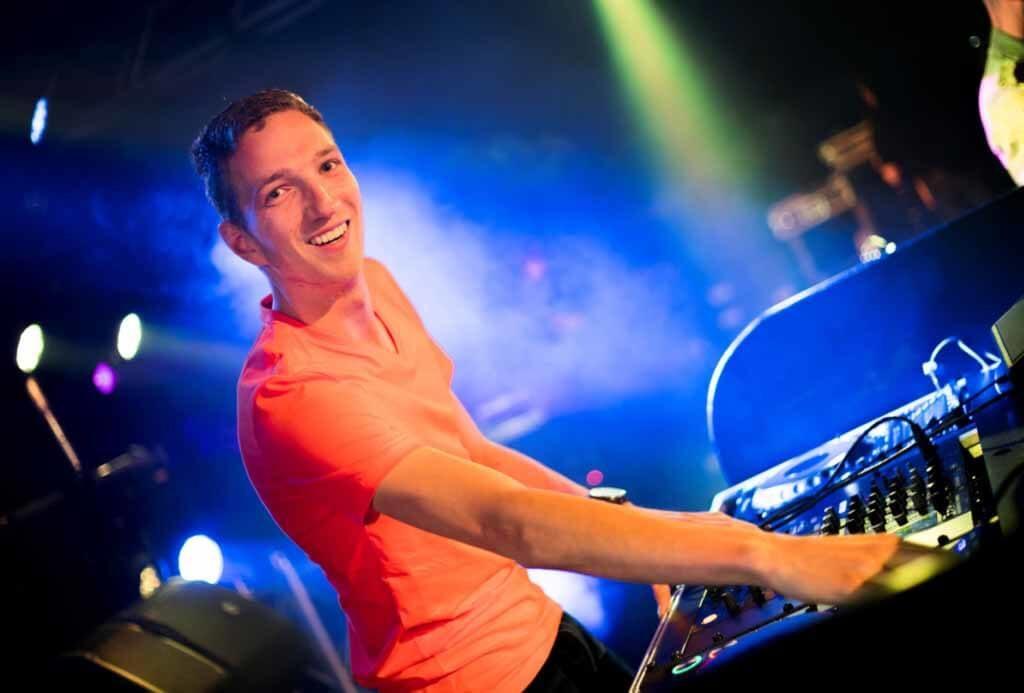 DJ Achterhoek Live Muziek Beslotenfeest